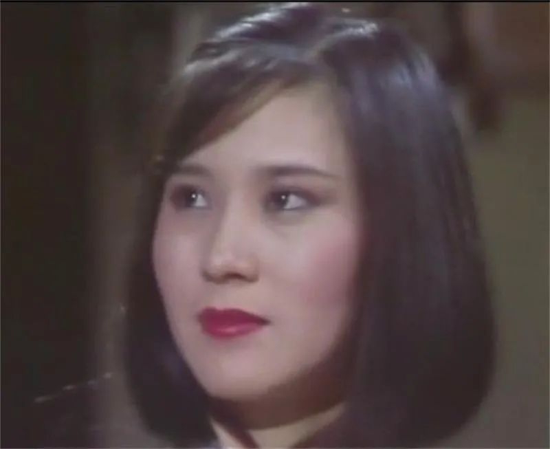 """她是我30岁以后最喜欢的""""黄蓉"""",62岁看起来还很迷人"""